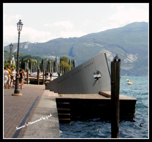 seamen's monument_2
