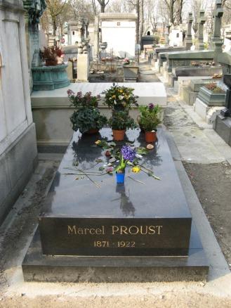 Marcel_Proust_(Père_Lachaise) side by side hotel - grave